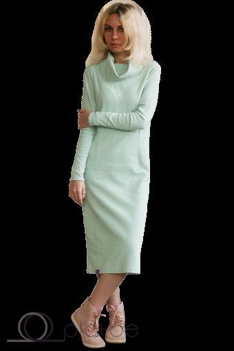 Платье с воротом